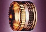 リングとキャトルリングの指輪のブランド・ジュエリー